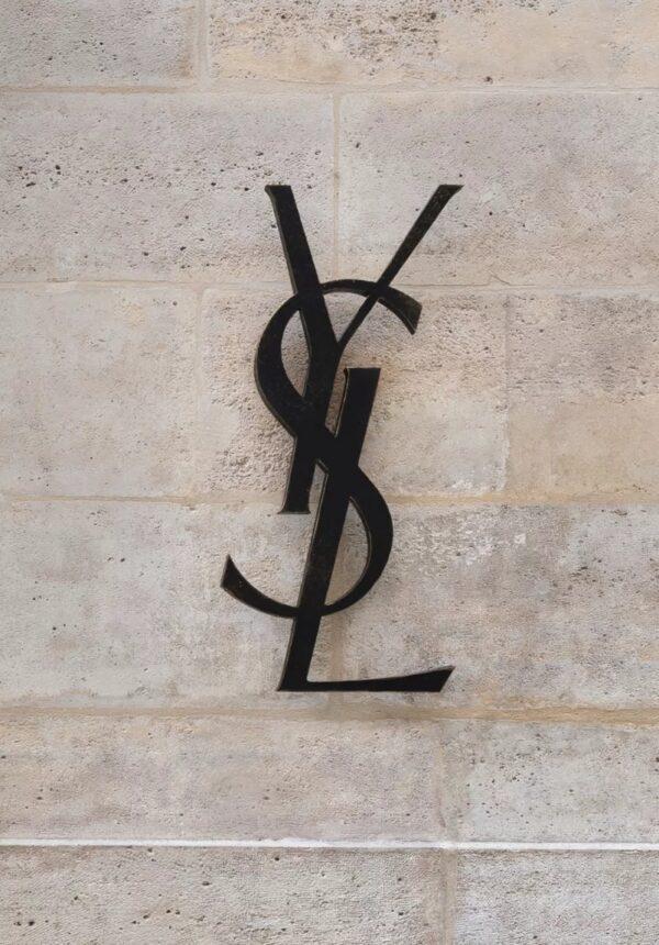 Adresse Yves Saint Laurent