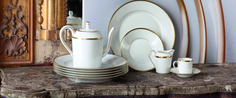 vaisselle blanche et dorée Robert Haviland & C. Parlon