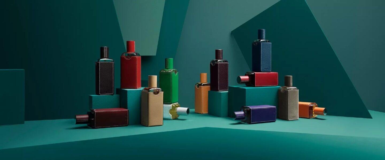 Bouteille de parfums colorées Hermes
